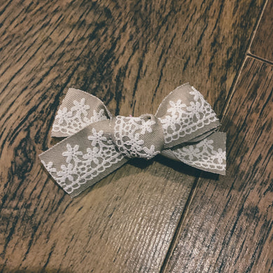 Natural, canvas lace, hand tied hair bow