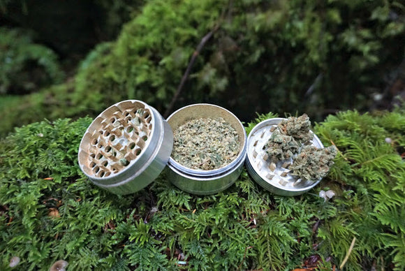 Weed Grinders: Why you need one