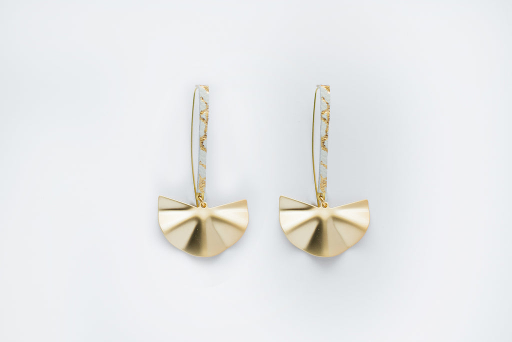 White Crackle & Gold Metal Fan Earwire Earrings