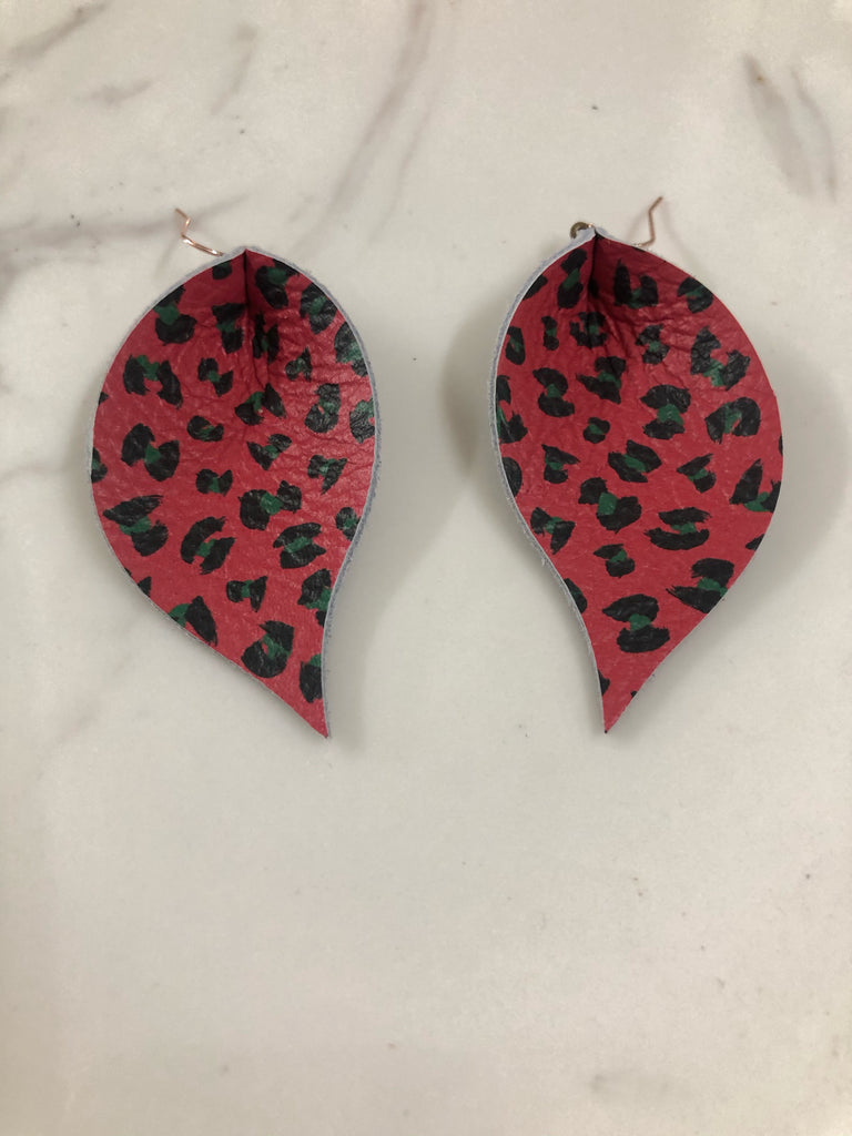 Red and Deep Green Leopard Single Layer Leaf Earring