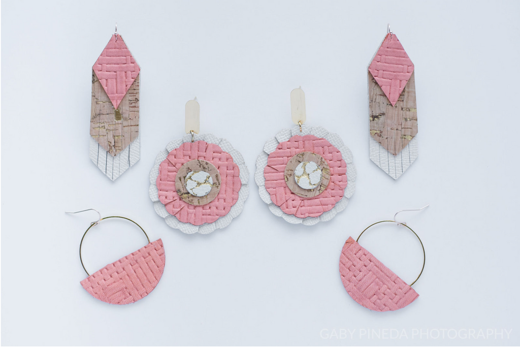 Coral Pink Basketweave Scalloped Circle Earrings