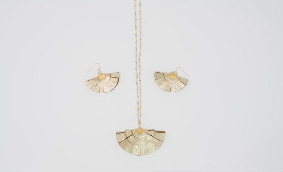 Glitter Gold Fans with Flair Necklace