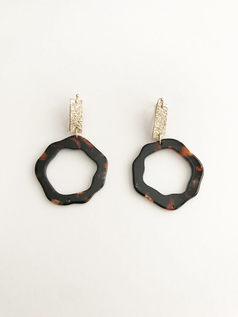 Tortoise Acrylic Wavy Circle Earrings