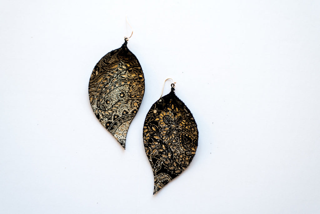 Pewter Paisley on Black Single Layer Leaf Earrings