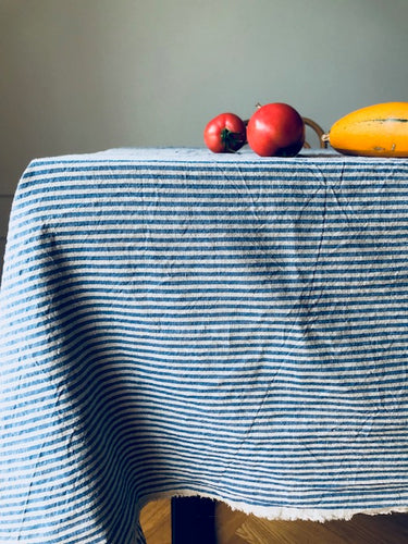 Tablecloth in marine blue stripes