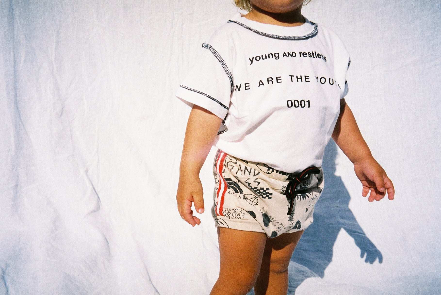 YOUTH SHORT SHORTS / TAN