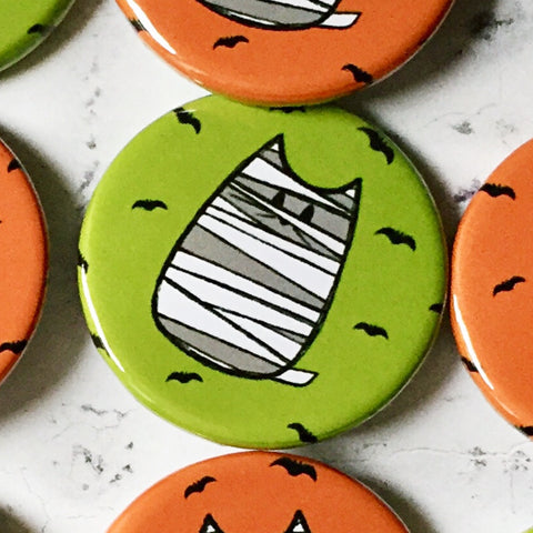 mummy cat | halloween badge green