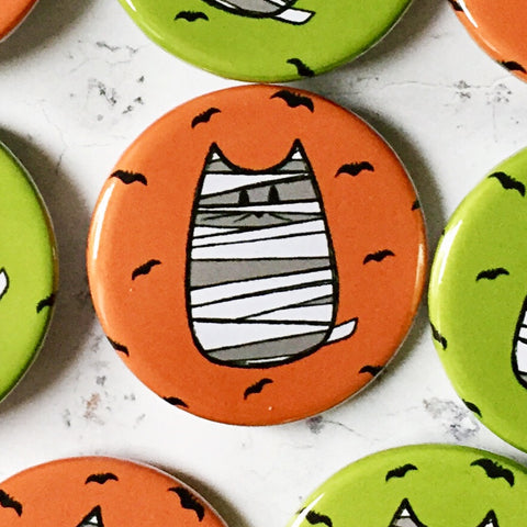 mummy cat | halloween badge orange