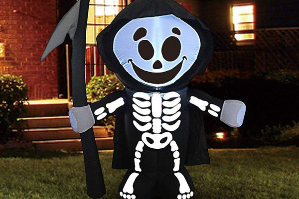 Halloween 5 FT Yard Inflatable Reaper with Build-in LEDs Blow Up