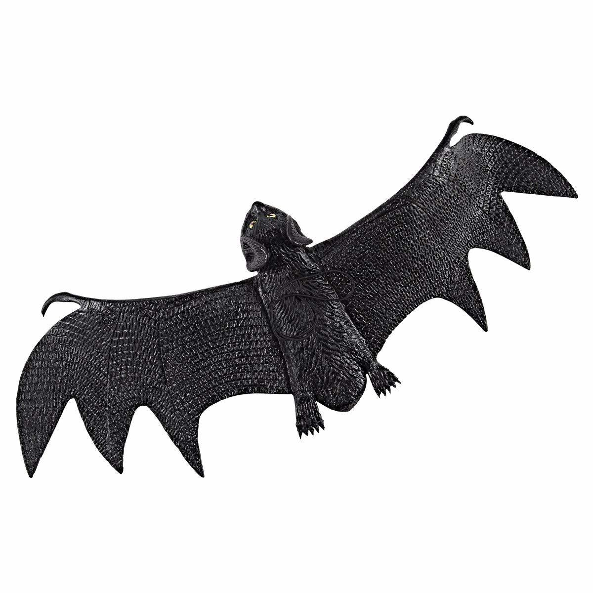 Realistic Looking Spooky Hanging Bats, 6-Pack