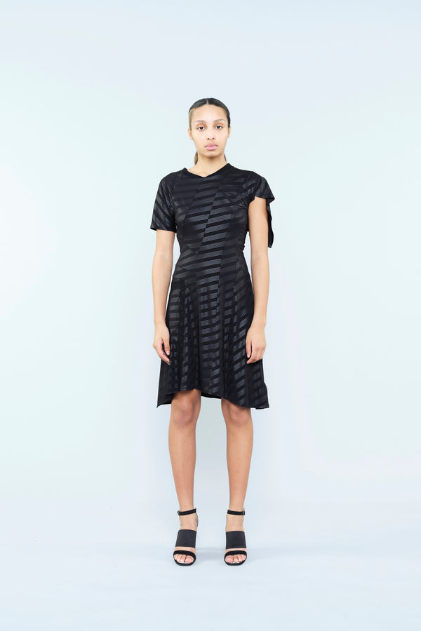 JERSEY DRESS IN A SHINY AND MATT STRIPES EFFECT AND LACE INSERT ON THE BACK
