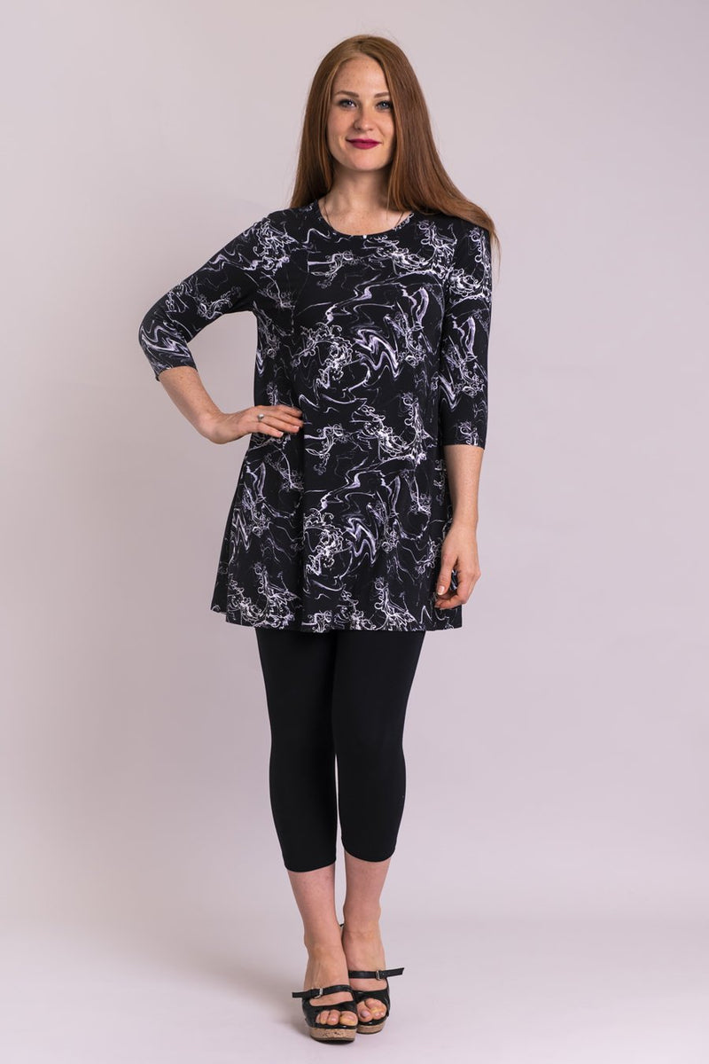 Women's bamboo 3/4 sleeve tunic top. Women's boutique clothing Canada. Plus size boutique clothing Canada,