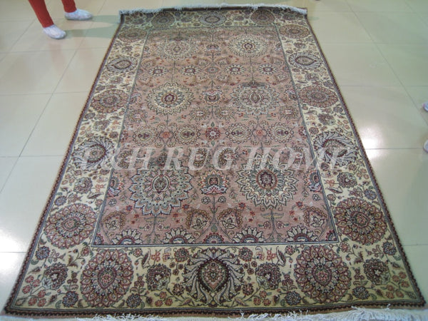 Line Hand-knotted  Wool and silk Oriental Persian carpet handmade Persian carpet