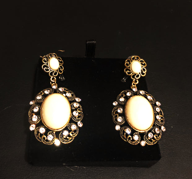 White stone with crystal on Gold Earring