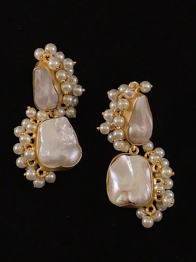 Lily Gold Two Pearls Earring