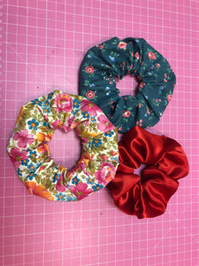 Free PDF Pattern! DIY Scrunchies