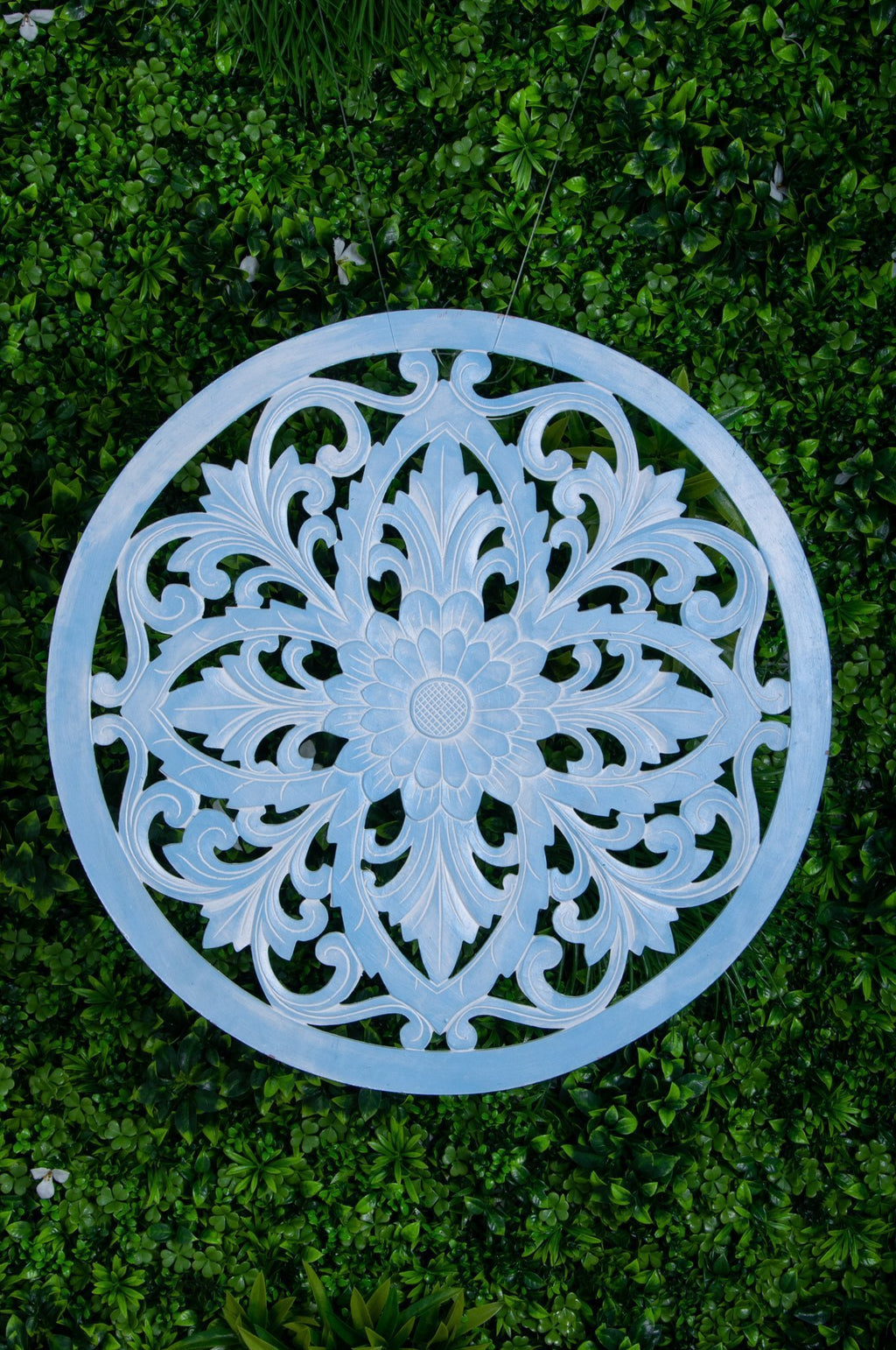 VVLH110 - ROUND WOOD LOTUS PANEL 80CM - BABY BLUE WASH