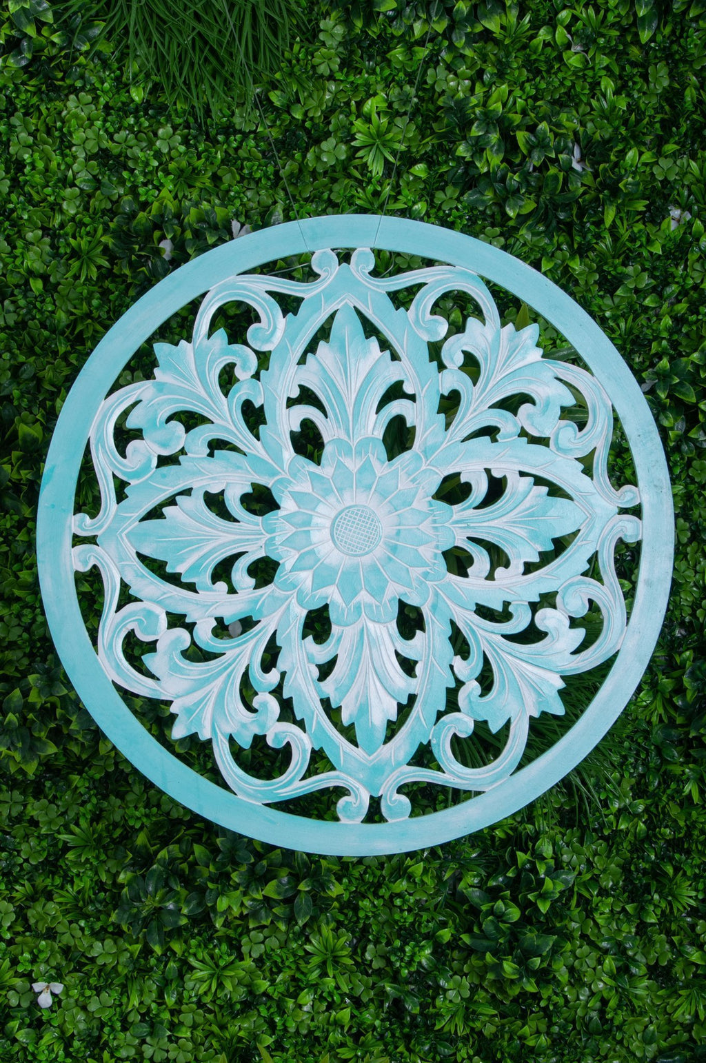 VVLH110 - ROUND WOOD LOTUS PANEL 80CM - BABY GREEN WASH