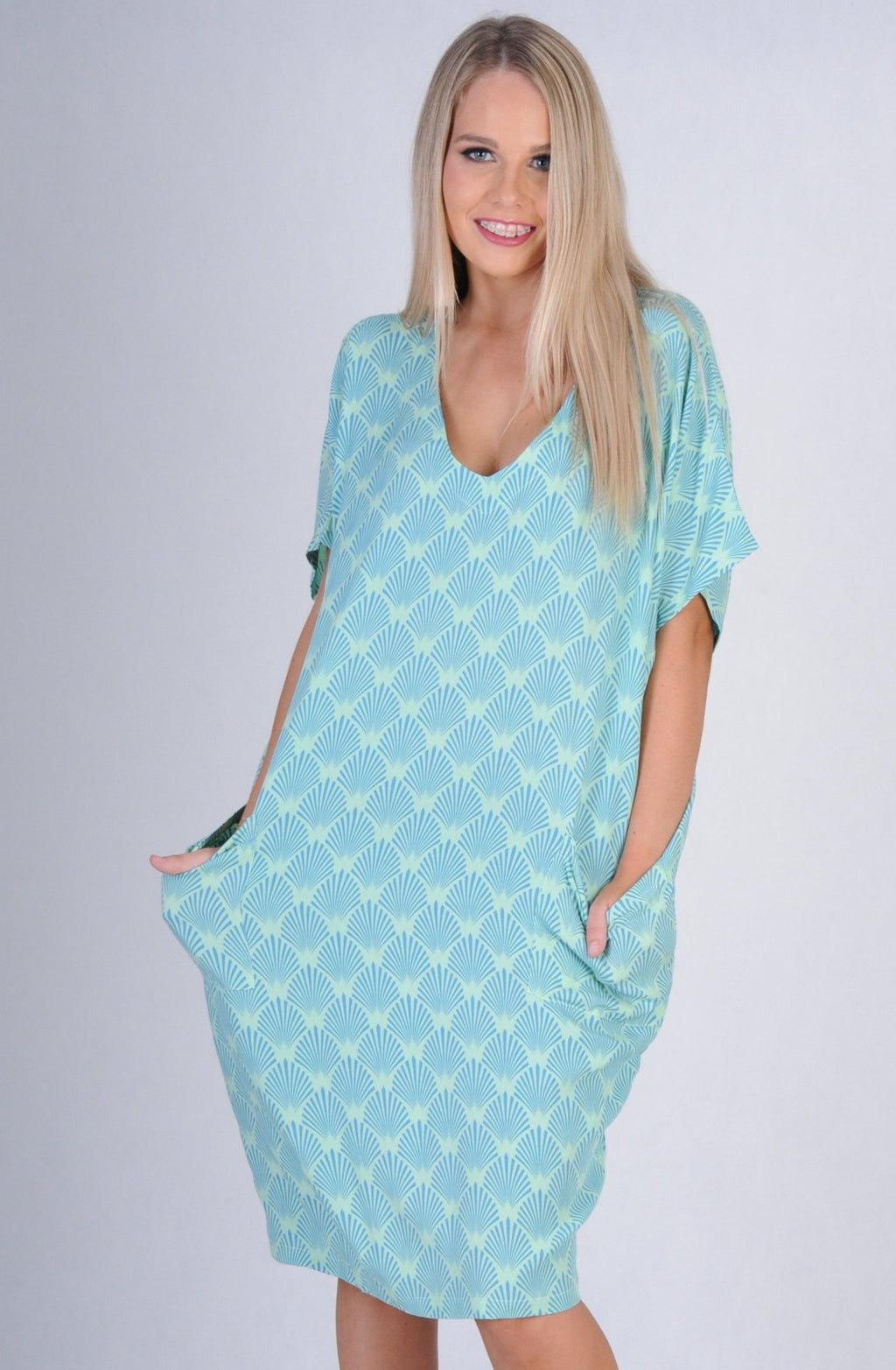 VBLD116 - SAND BAR DRESS - FAN PRINT BLUE