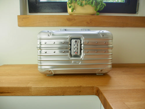 Rimowa TOPAS Beauty Case BEAUTY CASE Aluminium NEW Condition