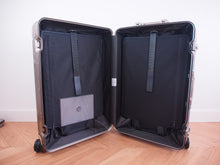 Load image into Gallery viewer, RIMOWA ORIGINAL Check-In M Multiwheel TITANIUM 92563004 NEW Made in GERMANY