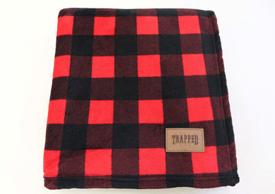 RED AND BLACK BUFFALO PLAID TRAPPED BLANKET