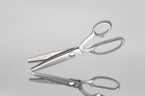 Scissors / Pinking Shears