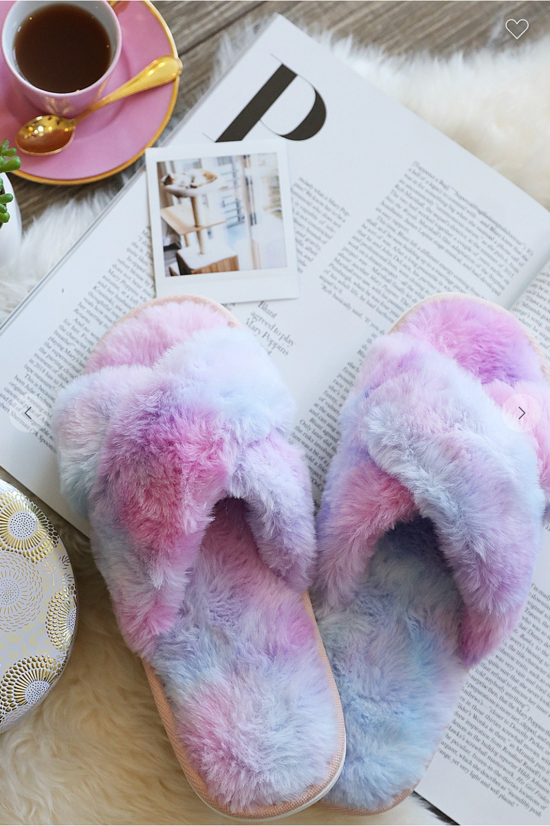 HIGH QUALITY SUPER SOFT AND CUTE FAUX FUR SLIPPERS