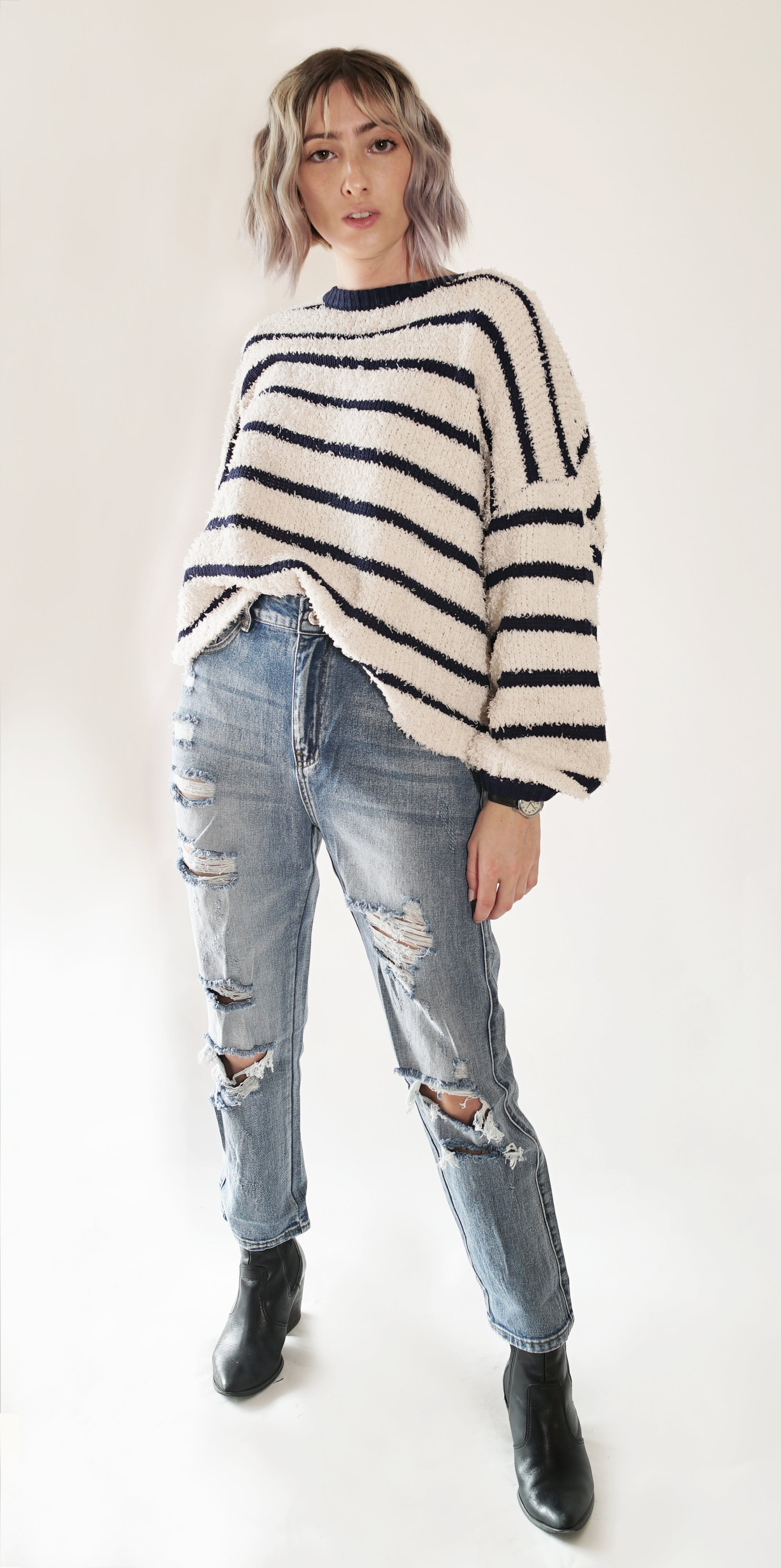 Fading Distressed Holes Crop Jeans