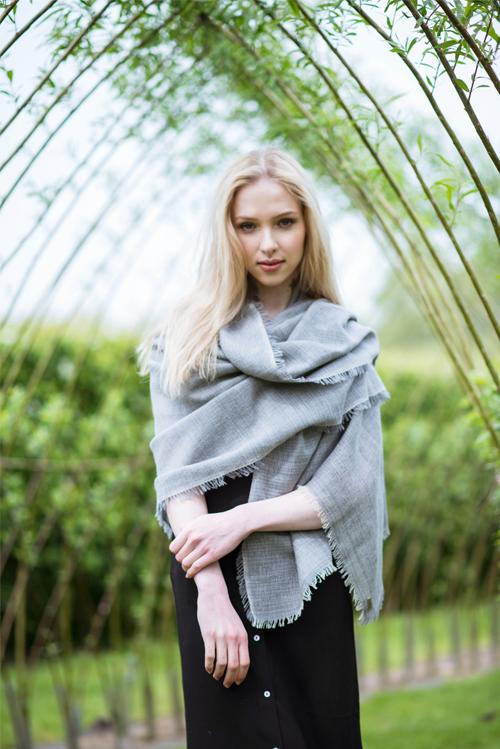 Handwoven Merino Cotton Wrap – Grey