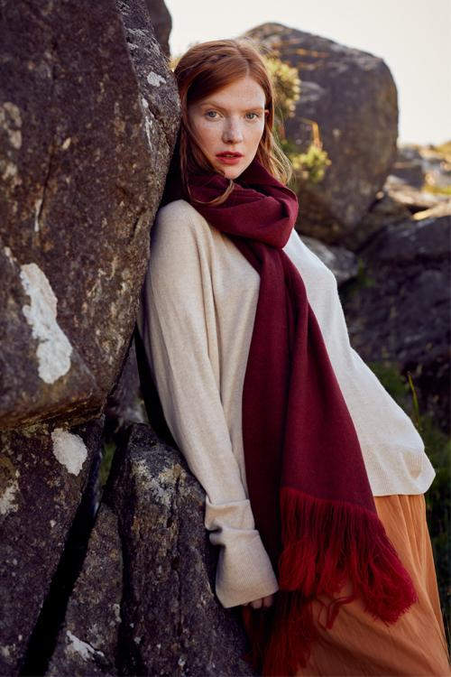 Hand Woven Ombre Fringe Scarf (Wine)