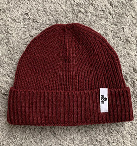UNISEX RIBBED BEANIE MIT MOM❤︎ LABEL
