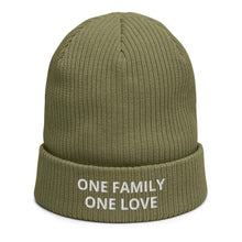 Load image into Gallery viewer, ONE FAMILY ONE LOVE BEANIE BESTICKT - FAMILY BY HEART