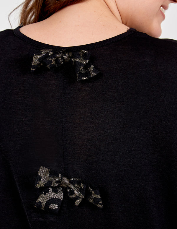 IGA - Oversized Top With Leopard Bow Detail Back