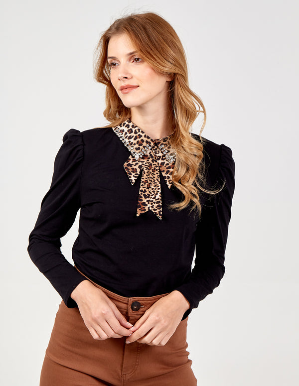 SARA - Leopard Diamond Collar Gathered Top