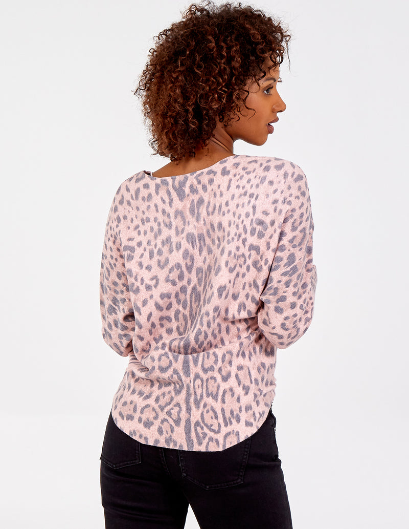 ANAIS - Leopard Print Batwing Top