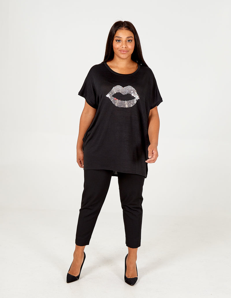 LUCIA  - Curve Lips Oversized Top