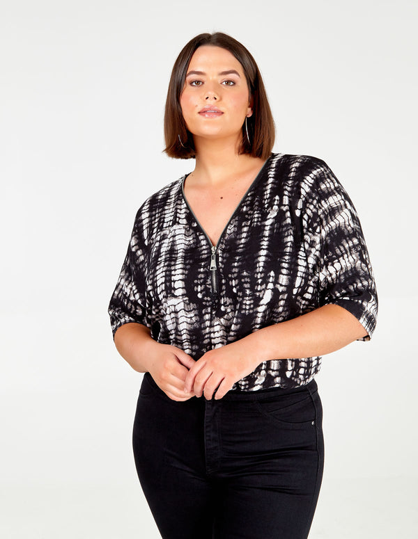 LILAH - Curve Black and White Zip Top