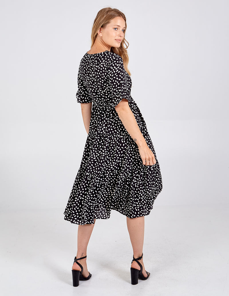 VIVIENNE - Drawstring Tiered Short Sleeve Midi Dress