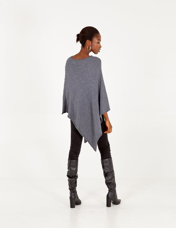 ADRIANA - Grey Knitted Poncho With Star Detail