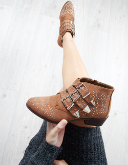 SHANIA - Studded Buckles Camel Boots