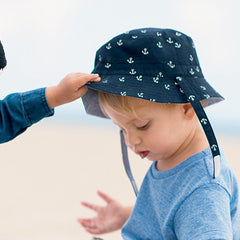 Reversible Anchor and Seersucker Baby Boys Sun Hat icon