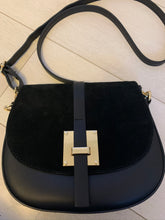Load image into Gallery viewer, Mum a Porter Cross Body Bag