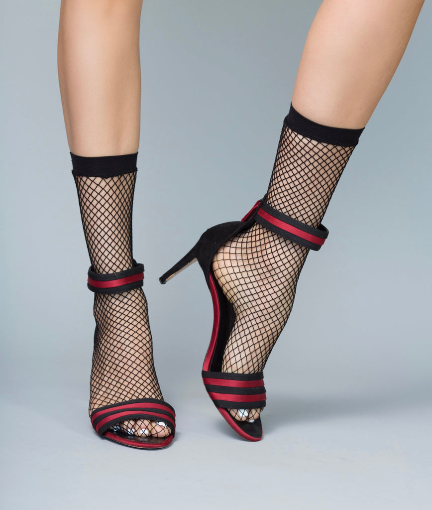 Catch 'Em Fishnet Black Socks