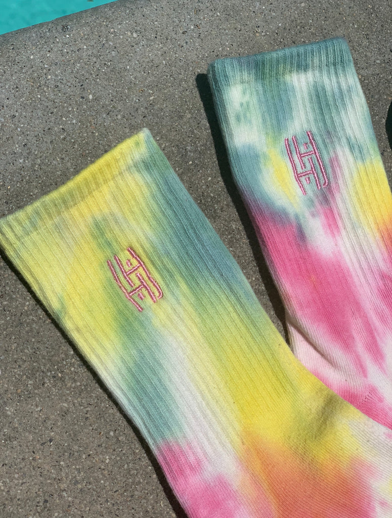 Good Vibes Tie Dye Sock & Scrunchie Set - Apricot/ Indigo