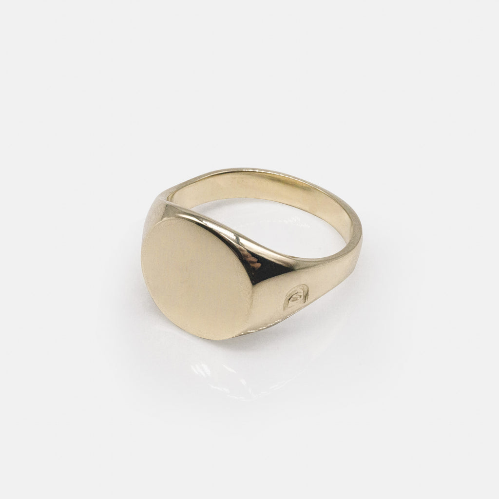 Ciorcalín Solid Gold - Small Circle Signet Ring