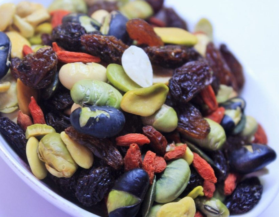 Healthy Hiking Snacks that Won't Weigh You Down