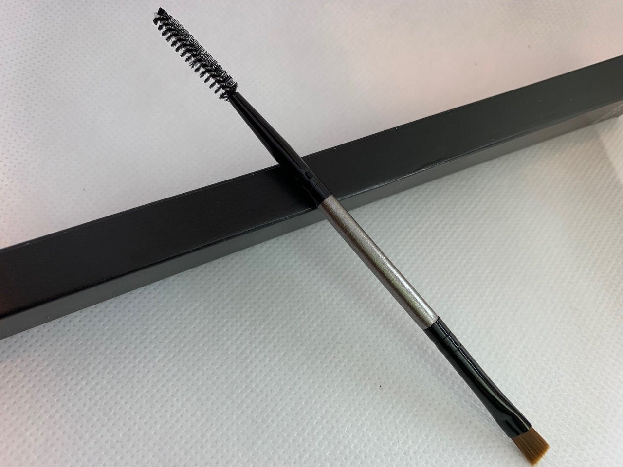 Brush Wear Dual Brow