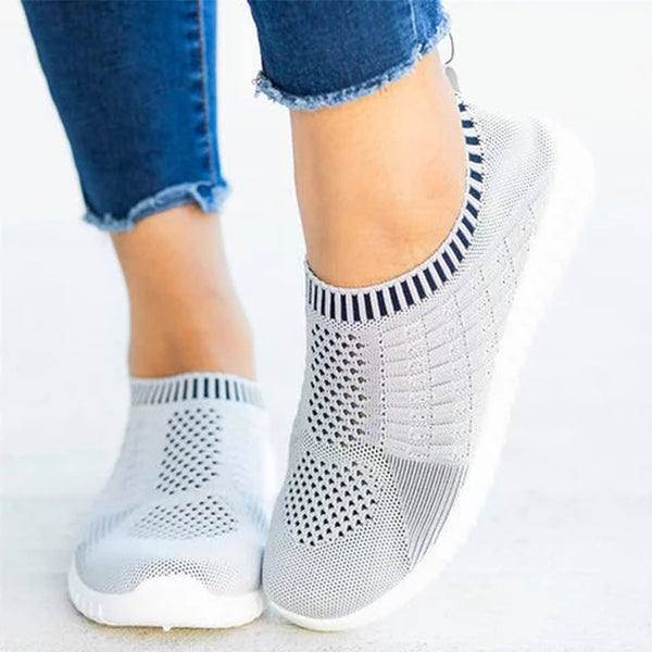 Flat  Round Toe  Casual Travel Sneakers