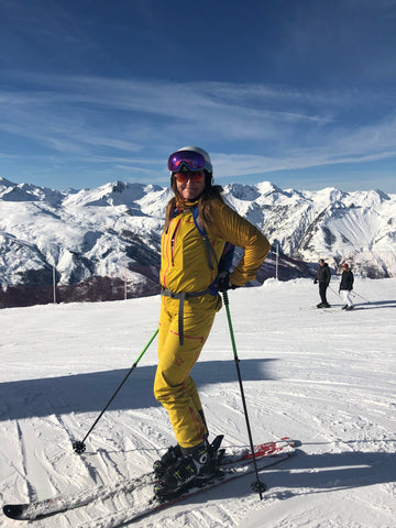 Sóley skiing in France